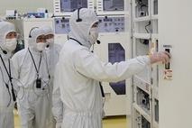 삼성전자 이재용, 반도체 이어 파운드리 초격차 승부수