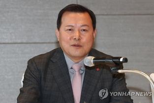 '롯데 2인자' 황각규 떠난다...롯데그룹, 임원인사 단행